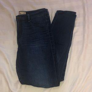 size 9 dark wash jeans